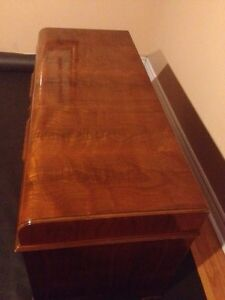 LIKE NEW! awesome antique cedar chest