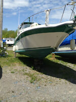 Sea Ray Sundancer 29-6 overall with 9 foot beam MINT