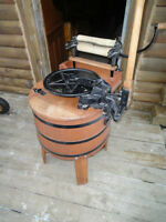 ***REDUCED PRICE*** ANTIQUE BEATTY BROS. WASHING MACHINE