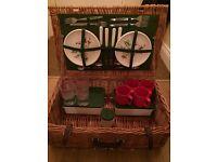 Wicker picnic basket - set for 4 people