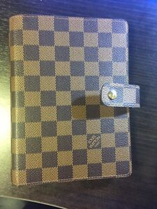 Authentic Louis Vuitton Medium (MM) Agenda Cover West Island Greater Montréal image 1