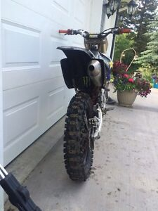 2009 yz 250f trade for truck or sled Strathcona County Edmonton Area image 4
