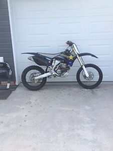 2009 yz 250f trade for truck or sled Strathcona County Edmonton Area image 2