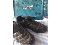 5.5 older boys school shoes brand new in box H wide fitting by bootleg