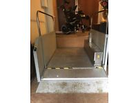 Wheelchair lift buyers to dismantle