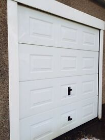 EVEREST ROLLER SHUTTER DOOR - NEARLY NEW & IMMACULATE CONDITION