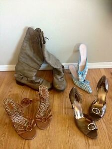 Lot of shoes/boots