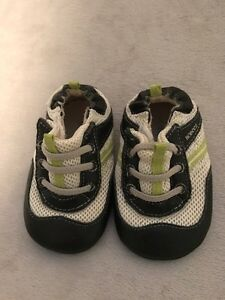 Robeez Mini Shoez size 3
