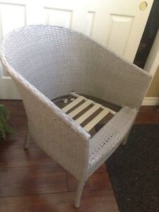 Nice Patio WICKER CHAIR, grey/taupe, needs cushion, only $10