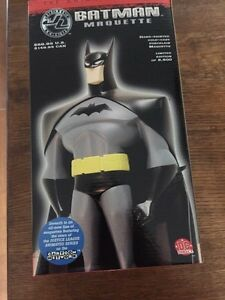 Batman Maquette - Cartoon Network From the Justice League!