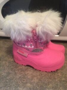 Brand new toddler size 5 winter boots