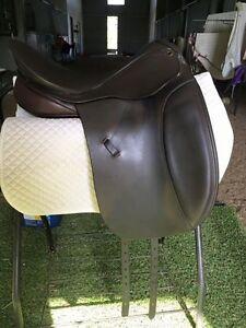 Peter Horobin Pirouette Dressage Saddle Pakenham Cardinia Area Preview
