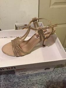 Size 6 two pairs of shoes bought for wedding  London Ontario image 3