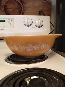 Butterfly gold Pyrex  Kitchener / Waterloo Kitchener Area image 2
