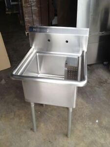 EVIER NEUF Stainless single 24x24 Commercial Sinks- Brand New!!