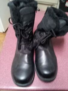 BRAND NEW WOMEN'S WINTER BOOTS SIZE 12 WIDE