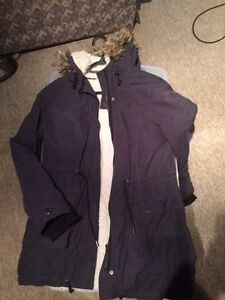 Selling women's size medium winter jacket  Sarnia Sarnia Area image 1