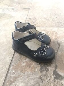 Little girl shoes and boots. Sizes 6,7,8 Kitchener / Waterloo Kitchener Area image 6