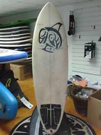 "6'3"" Egg shortboard with fins and leash"