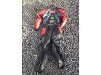 WOMENS IXS BLACK/RED 2 PCS SUIT LEATHER MOTORCYCLE JACKET/TROUSERS SIZE 36