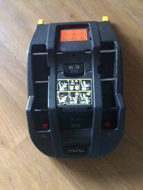 Isofix car seat base ( mamas and papas )