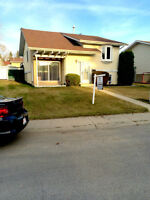 111 Grand Meadow Crescent close to Golf Course