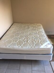 Double mattress with boxspring and metal frame
