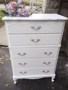 """GORGEOUS  French Provincial dresser with 5drawers-46""""x30""""x16"""""""