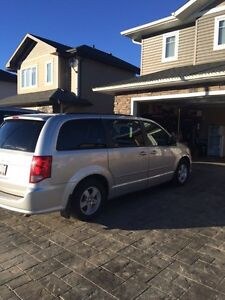 Dodge Grand Caravan ( mini van )