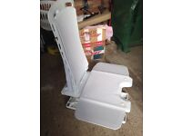 Bath riser chair
