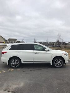 2014 Infiniti QX60 AWD fully loaded no accident only 27000km