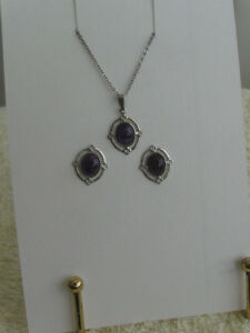 GORGEOUS VINTAGE 3-Pc.PENDANT NECKLACE / PIERCED EAR RINGS SET