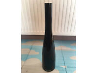 Black decorative glass vase, quick sale at only £5, no time wasters please