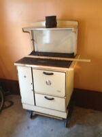 McClary Jubilee Vintage Wood Burning Cook Stove