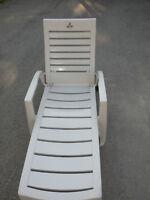 Belle chaise longue à St-Jérôme