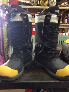 Men's composite work boots size 12 London Ontario image 3