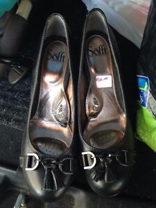 Size 9 WOMENS Shoes