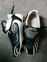 Used Kids Child Youth Soccer Shoes Size 11 sz Eletto