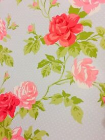 Beautiful shabby chic Floral Wallpaper