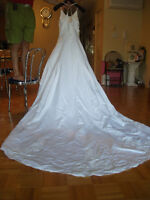 Robe de Mariee, Taille 8 petit / New Wedding Dress, Size 8 small
