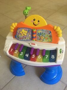 Fisher-Price Laugh N Learn Baby Grand Piano Cambridge Kitchener Area image 1