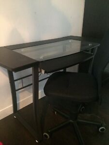 Table de bureau avec chaise