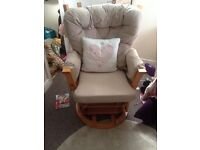 Swivel nursing chair