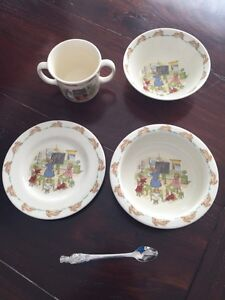 Bunnykins 5 Piece Set by Royal Doulton -Like Knew