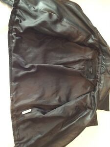Black Jacket Windsor Region Ontario image 4