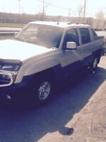 2006 Chevrolet Avalanche Pickup Truck    A-1 CONDITION