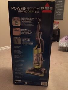 Selling brand new in box vaccum London Ontario image 1
