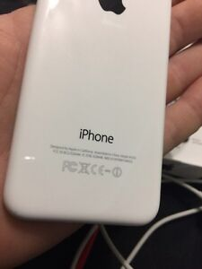 iPhone 5C - *Mint* +Extras London Ontario image 7