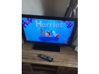 "32"" HD Ready 1080p flat screen TV with remote. Samsung."