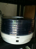 Salton Collapsible Food Dehydrator